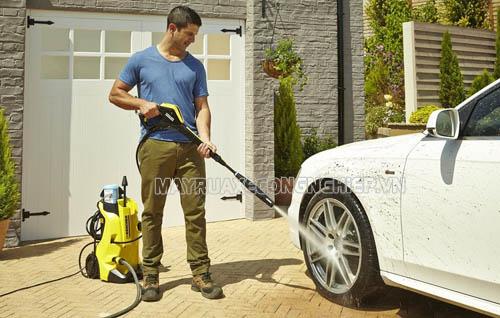 Điều chỉnh áp lực nước máy rửa xe cao áp để sử dụng máy hiệu quả hơn