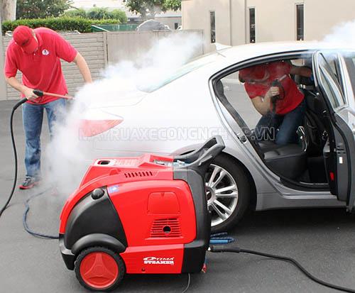 Máy rửa xe hơi nước nóng được ưa chuộng dùng nhiều hiện nay trong các trạm rửa xe chuyên nghiệp