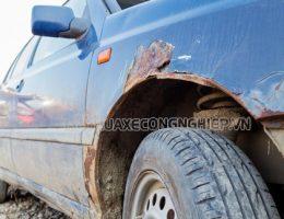 Vì sao người dùng không nên rửa xe bằng nước giếng khoan?