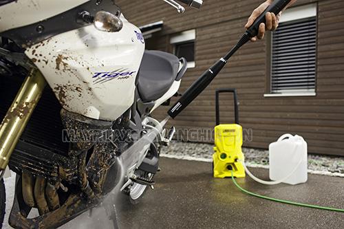 Người dùng cần chú ý rửa xe tay ga đúng cách
