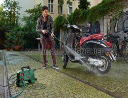 Rửa xe máy bằng gì sạch và an toàn?