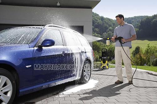 rửa xe ô tô đúng cách