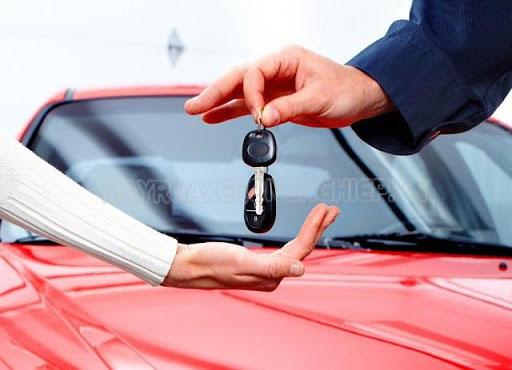 Nộp lệ phí trước bạ là yêu cầu bắt buộc khi mua xe