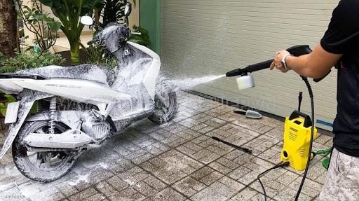 Sử dụng đúng loại hóa chất rửa xe